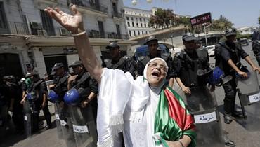 """إقالة مفاجئة لوزير العدل في الجزائر: """"رئيس الدولة أنهى مهمّته"""""""