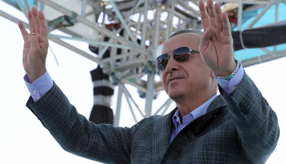 تركيا تعتزم شنّ عملية عسكرية ضد الأكراد في شمال سوريا