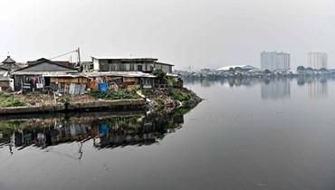 العاصمة الإندونيسية جاكرتا غائرة تحت المياه: ثلث المدينة قد يصبح تحت البحر في 2050