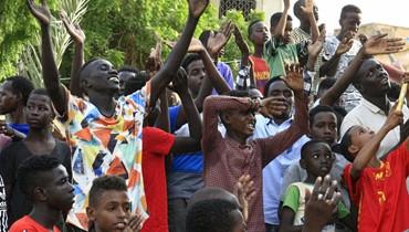 """احتفالات في الخرطوم بـ""""الوثيقة الدستوريّة"""": السودان ينتظر تشيكلة المجلس السيادي"""