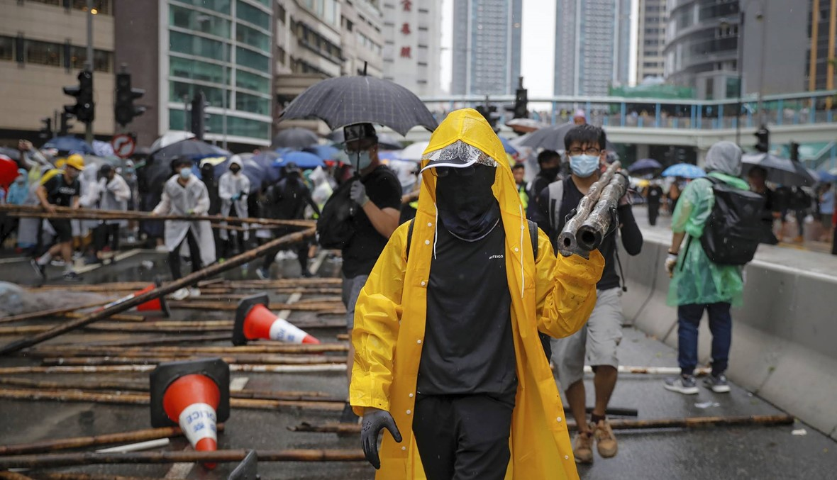 هونغ كونغ تتحضر لمسيرات جديدة بعد ليلة من الاشتباكات