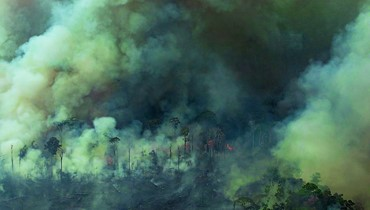 الجيش البرازيلي يكافح حرائق الامازون والبابا يدعو العالم إلى التكاتف