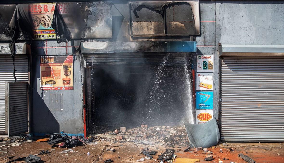"""مواجهات بين الشرطة ولصوص في جوهانسبرغ: رامافوزا يدين """"عودة العنف الشعبي"""""""