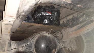 """بالصور: ضبط """"بيك آب"""" كان ينقل كميات كبيرة من اللحوم السورية المهرّبة"""