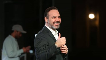 """وائل جسّار يشدو بتِتر """"حواديت الشانزليزيه"""" (صورة)"""