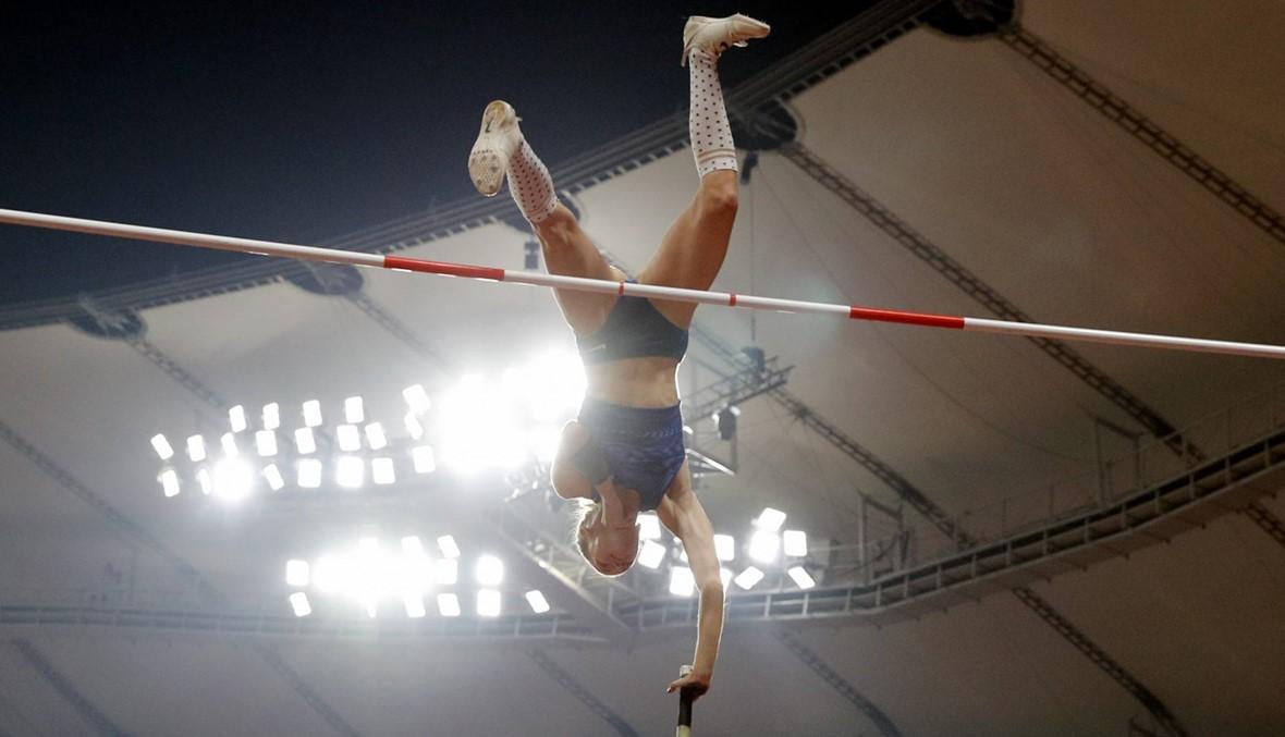 بالصور: ذهبية القفز بالزانة للروسية سيدوروفا