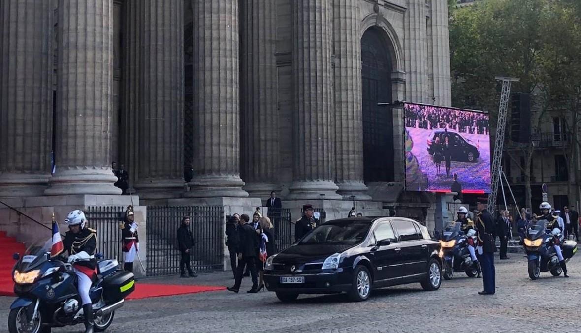 ماكرون وبريجيت يحضران إلى جنازة شيراك بسيارة Renault (فيديو)