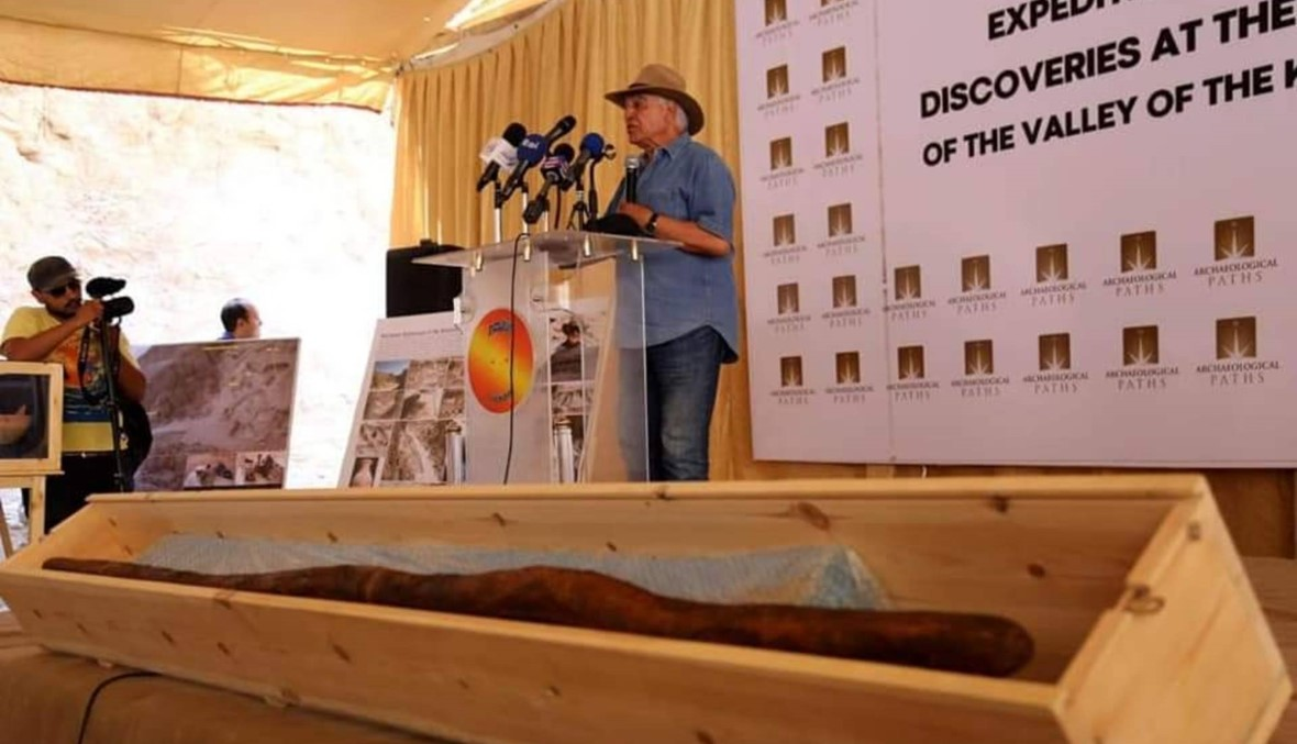 بعد الكشف عن المنطقة الصناعية الفرعونية… زاهي حواس: توت عنخ آمون لم يُقتل (صور وفيديو)