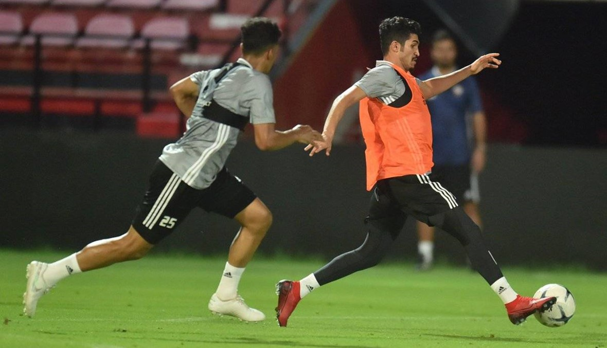 الإمارات تدافع عن الصدارة أمام تايلاند