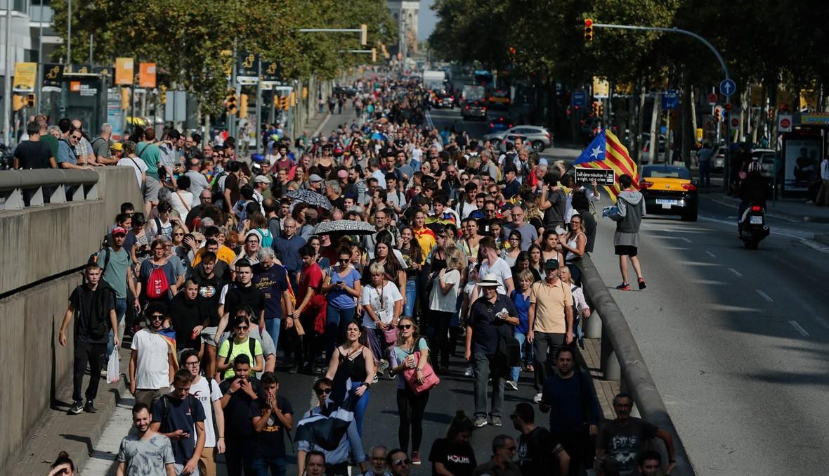 """إسبانيا: المحكمة العليا تقضي بسجن انفصاليّين كاتالونيّين... بوتشيمون يندّد بـ""""العمل الشائن"""""""