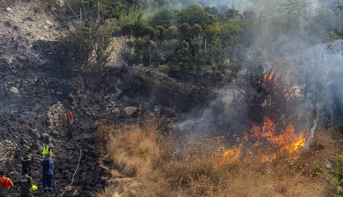 الجيش: استمرار الوحدات والطوافات في إخماد الحرائق