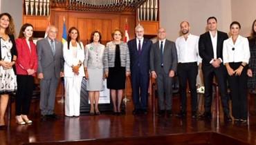 مذكّرة تفاهم بين ملكة السويد والجامعة الأميركية في بيروت... شراكة للشباب العرب