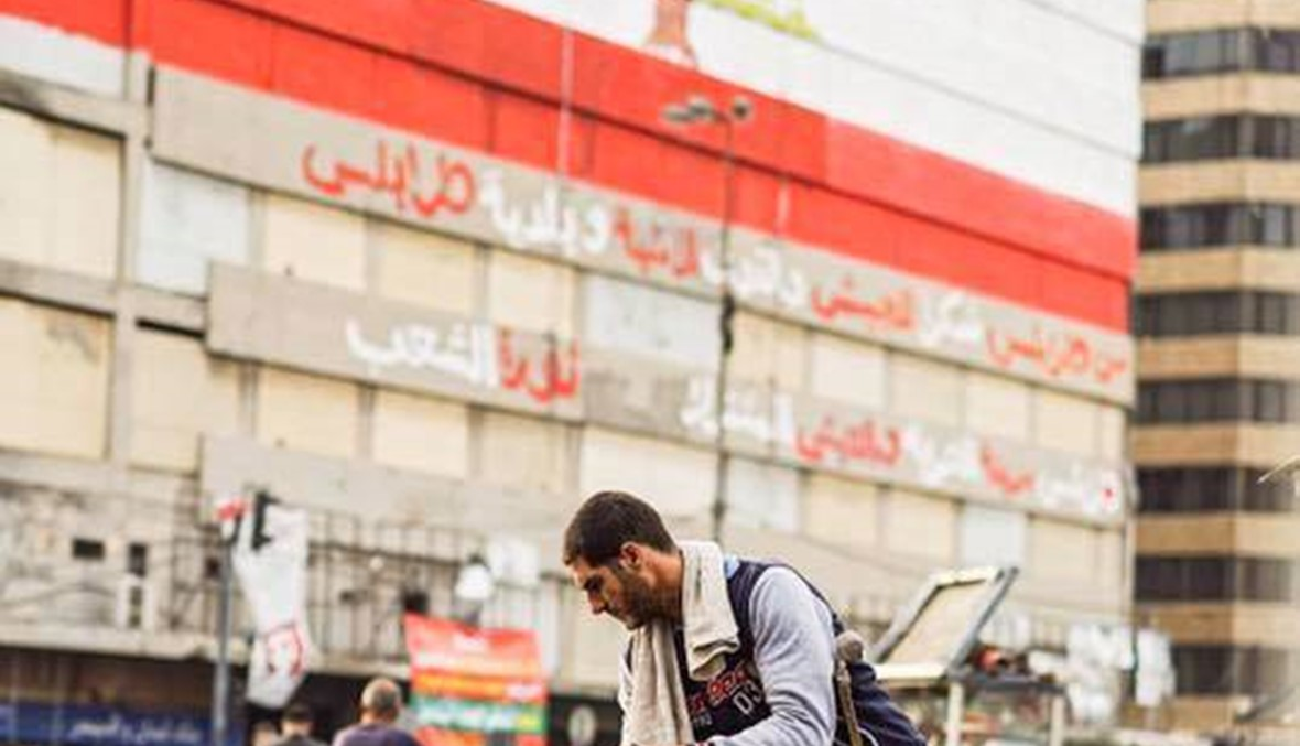 """محمد الزعبي يتحدث لـ""""النهار""""... عكّاز والتزام، طرابلس تتخطى ذاتها في رجل (فيديو)"""