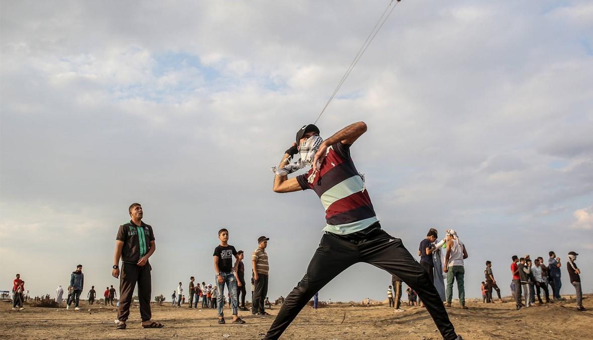 نشطاء فلسطينيّون وأجانب يقتحمون بؤرة استيطانيّة في الضفة الغربيّة