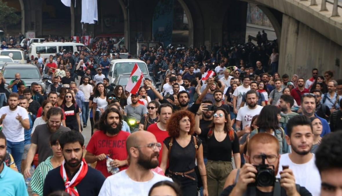 """""""القوات"""" تردّ على تُهمة إقامة الحواجز والطلب من المواطنين إبراز هوياتهم"""