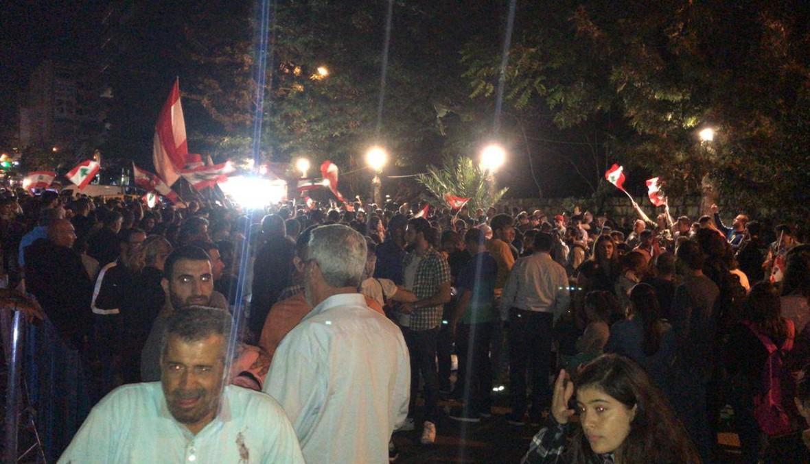 """مارسيل خليفة يغني """"يا علي"""" في النبطية... الحراك مستمر سلمياً والمدارس الخاصة تفتح أبوابها غداً"""