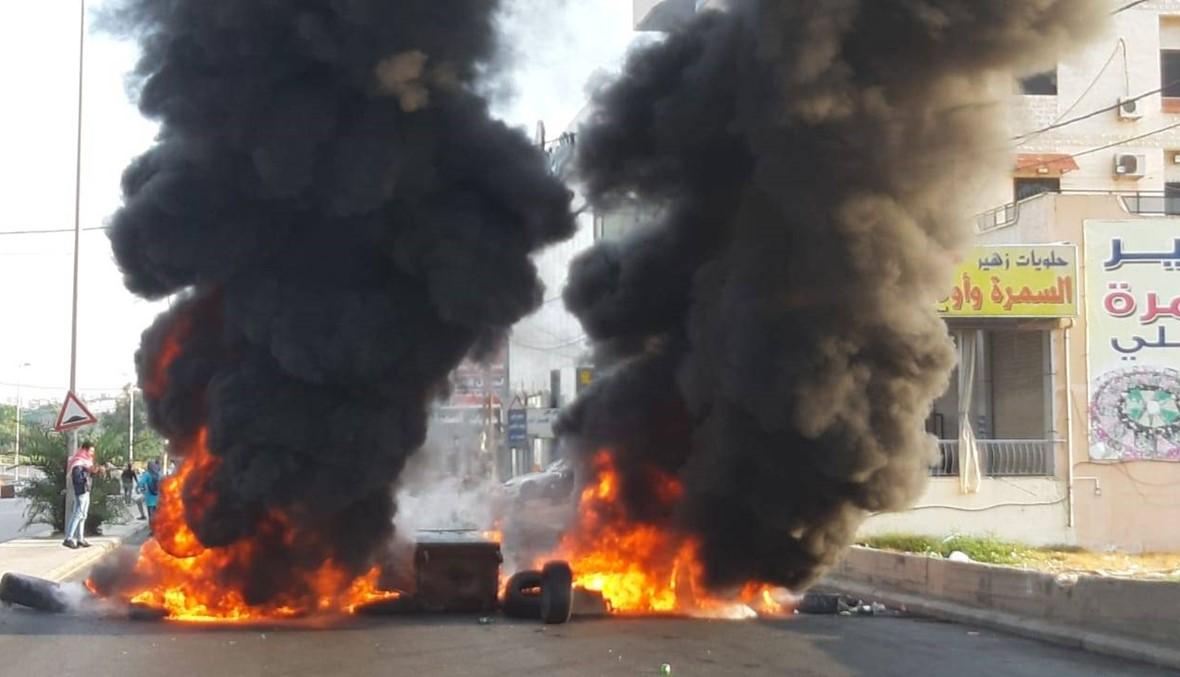 المتظاهرون في صيدا صعّدوا من احتجاجاتهم باكراً وعمليات كرّ وفرّ بينهم وبين الجيش