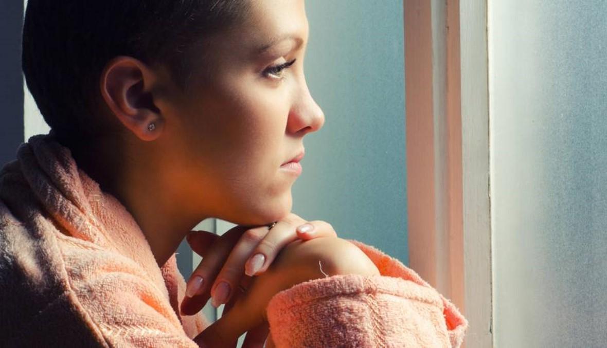 إطلالة مريضة السرطان أساسية... وهذه آثار العلاج عليها
