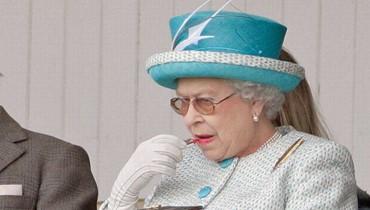 ما اليوم الوحيد الذي لا تضع فيه الملكة الماكياج بنفسها؟