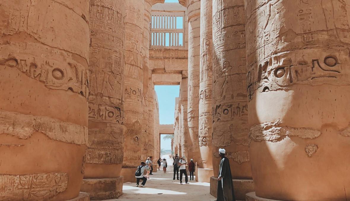 """تشويه آثار الكرنك بسبب حريق يثير غضباً مصرياً... ومسؤول يكشف الحقيقة لـ""""النهار"""""""