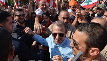 بالصور: وصول الوزير جبران باسيل إلى محيط قصر بعبدا