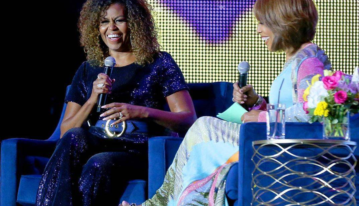 ميشيل أوباما ظهرت بشعرها المجعّد ومواقع التواصل تُثني عليها