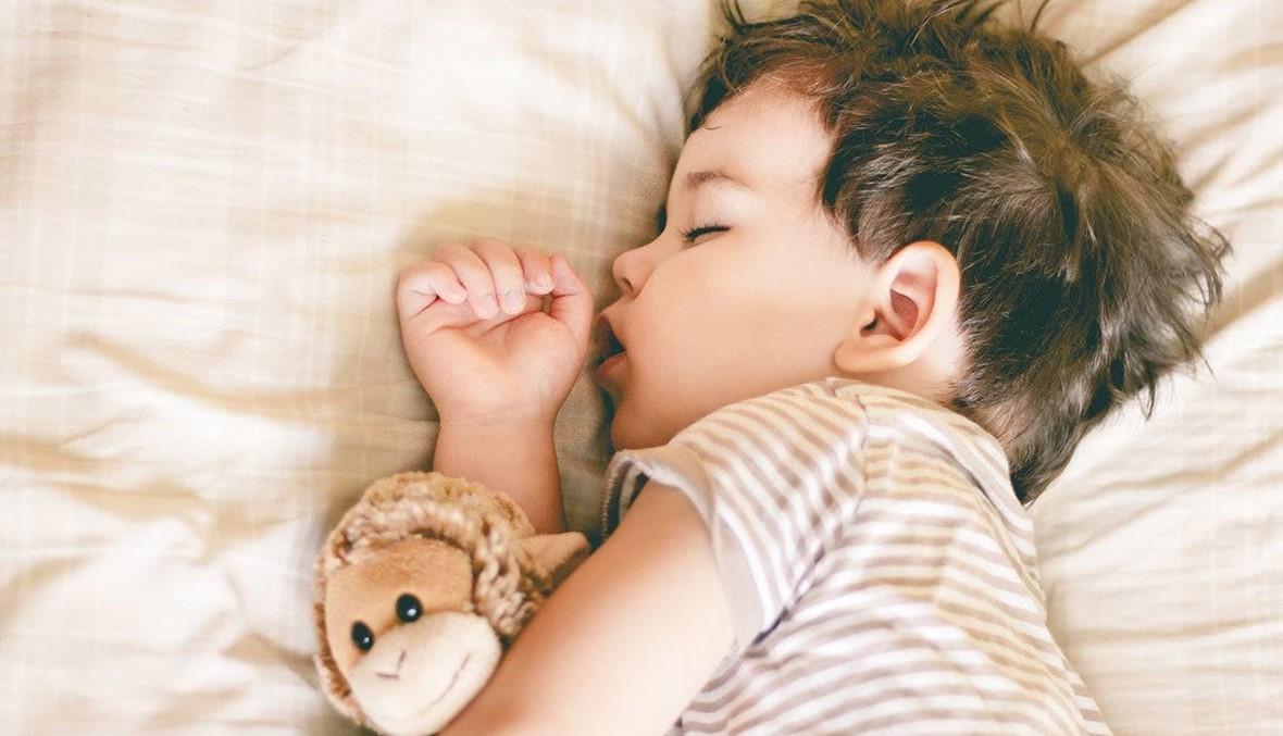 أطفالنا لا ينامون بمعدل كافٍ والمخاطر كثيرة