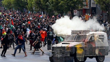 """صور من احتجاجات العالم... الشعب اللبناني """"بريء""""!"""
