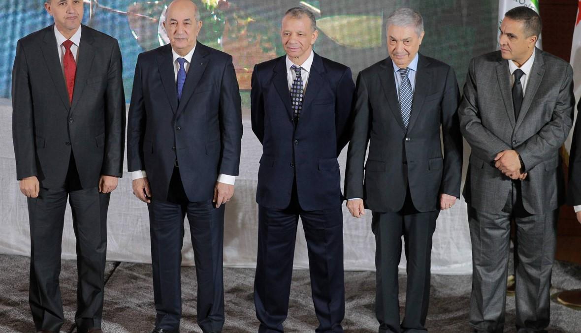 """مرشحو الانتخابات الرئاسية في الجزائر يوقّّعون """"ميثاق أخلاق الحملة""""... ويتعهّدون"""