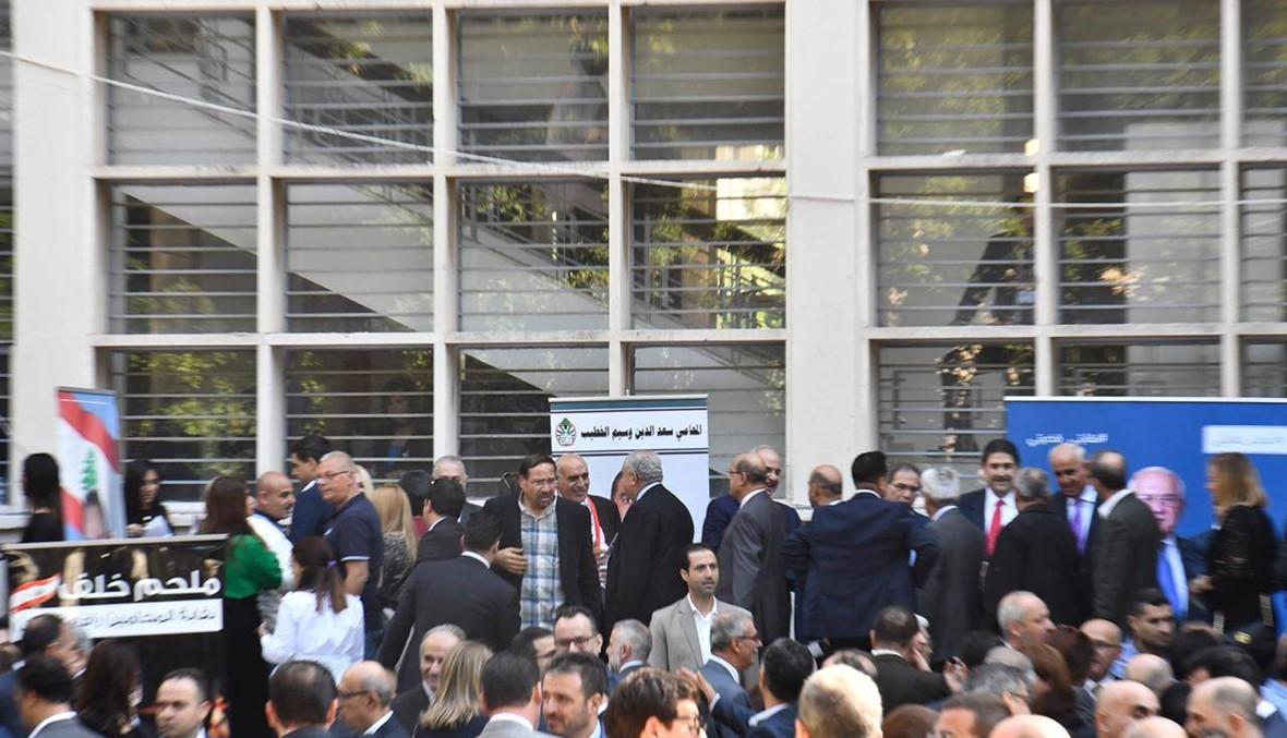 """ملحم خلف نقيباً للمحامين... تصفيق حار و""""ثورة ثورة"""" (صور وفيديو)"""