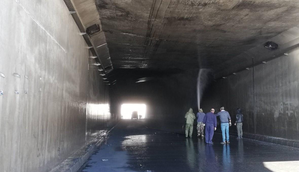 تنظيف نفق الأوتوستراد على الطريق الدولية بين برّ الياس وتعنايل... الانتفاضة مستمرّة (فيديو)
