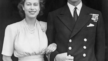 الملكة إليزابيث تحتفل بذكرى زواجها الـ72... التقيا حين كانت في الثامنة