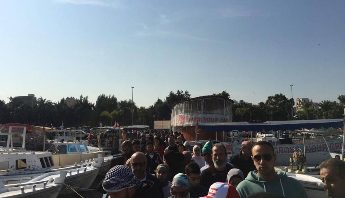 """مسيرة بالمراكب البحرية في طرابلس... """"ما خلونا نفوت بالبر رح نفوت بالبحر"""""""