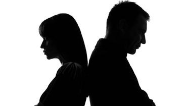 متى يحصل الانفصال العاطفي والجنسي بين الزوجين؟
