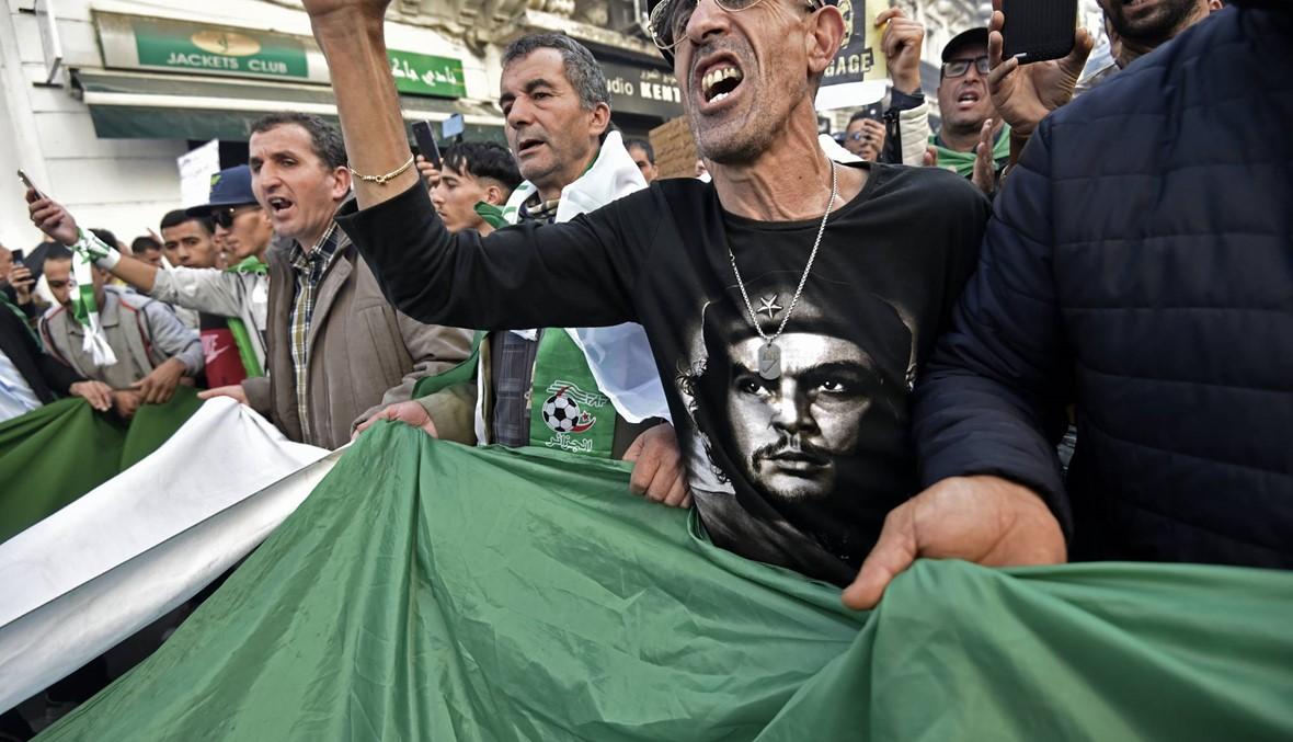 الجزائر: النيابة العامة تطلب السجن 20 سنة لرئيسي وزراء سابقين بتهمة الفساد