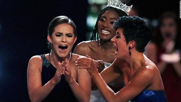 المعايير ليست للجسد... ملكة جمال أميركا متخصّصة في الكيمياء الحيوية وبيولوجيا النظم