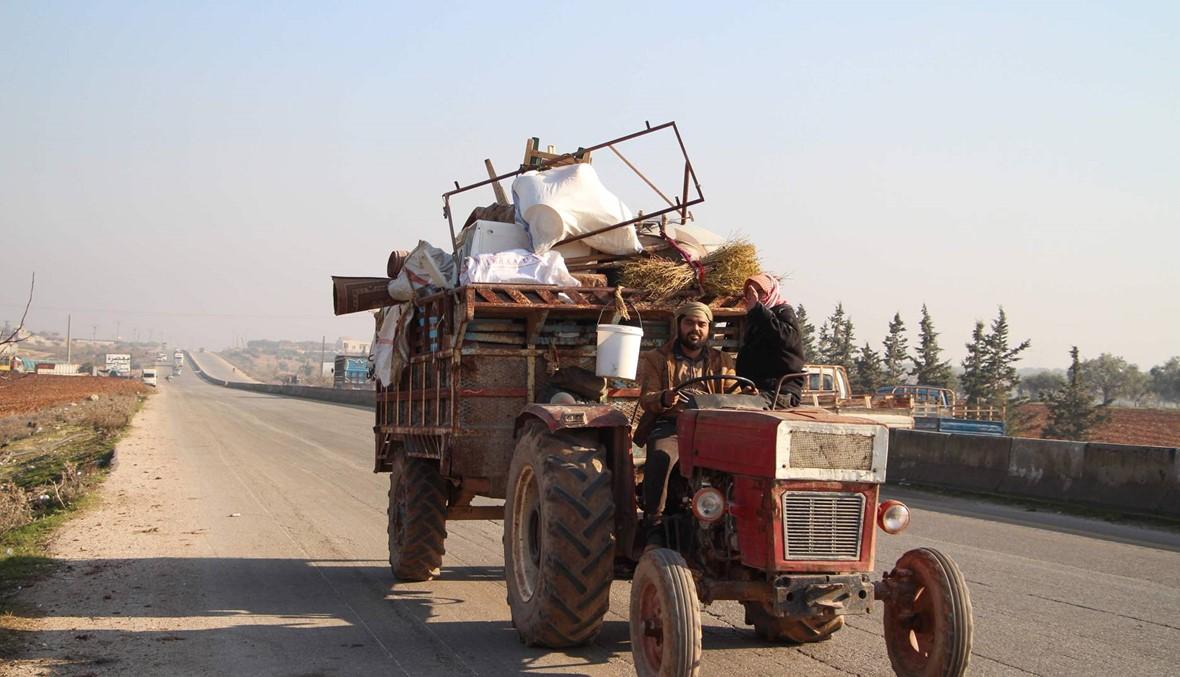 نازحون جدد في إدلب يفرون تحت القصف إلى المجهول