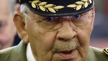 وفاة قايد صالح رئيس الاركان الجزائري وتعيين شنقريحة خلفاً له