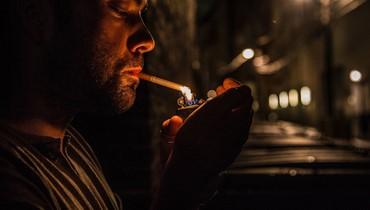 150 دولاراً غرامة لمن يشتري سجائر من باعة غير مرخصين في فرنسا