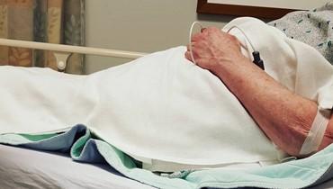 """الوكيل يرفض تسليم المستشفى دواء السرطان حتى يدفع نقداً... """"لم يخضع والدي لأيّ جلسة بعد"""""""