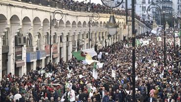 """تظاهرات الجزائر في الجمعة الـ45: تعبئة ضعيفة... و""""نواصل المعركة"""""""