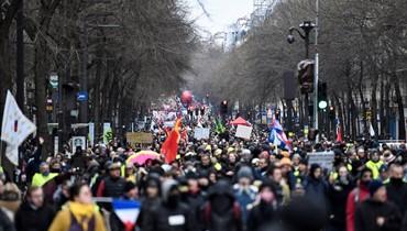 فرنسا: تصاعد اللهجة بين الحكومة والنقابات... ماكرون يخاطب الشعب في رأس السنة