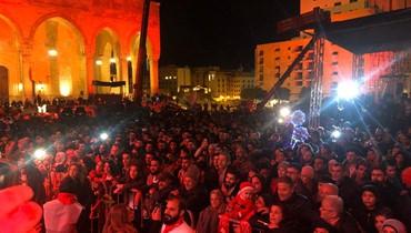 """""""ثورة رأس السنة"""" انطلقت في ساحة الشهداء... لبنانيّون يستقبلون 2020 برجاء التغيير (فيديو)"""
