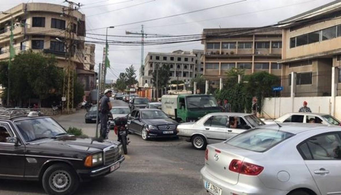 النبطيّة تتحرّك... قطع الطرق احتجاجاً على غلاء الدولار (صور وفيديو)
