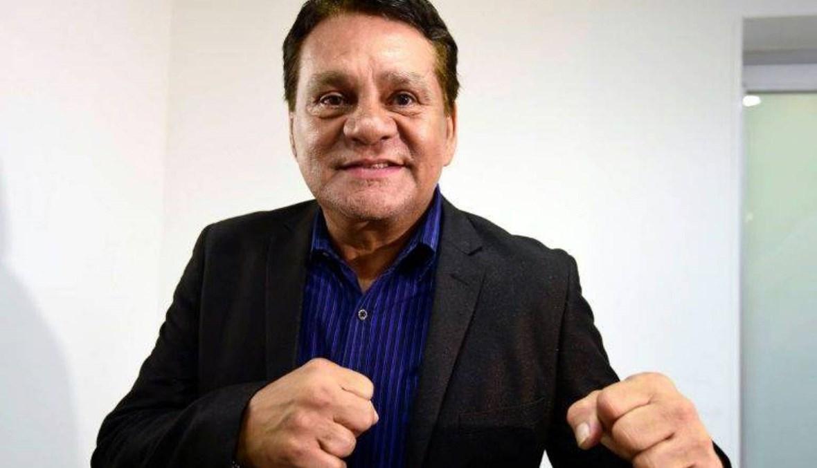 خروج أسطورة الملاكمة من المستشفى
