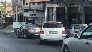 انقطاع مادة البنزين من أغلب محطات المحروقات في النبطية (صور)