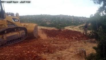 بالصور: الجيش يقفل طرق ومعابر تُستخدم للتهريب في منطقة الهرمل