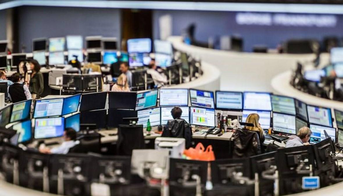 قطاع التكنولوجيا يهبط بأسهم أوروبا بعد تهاوي وول ستريت