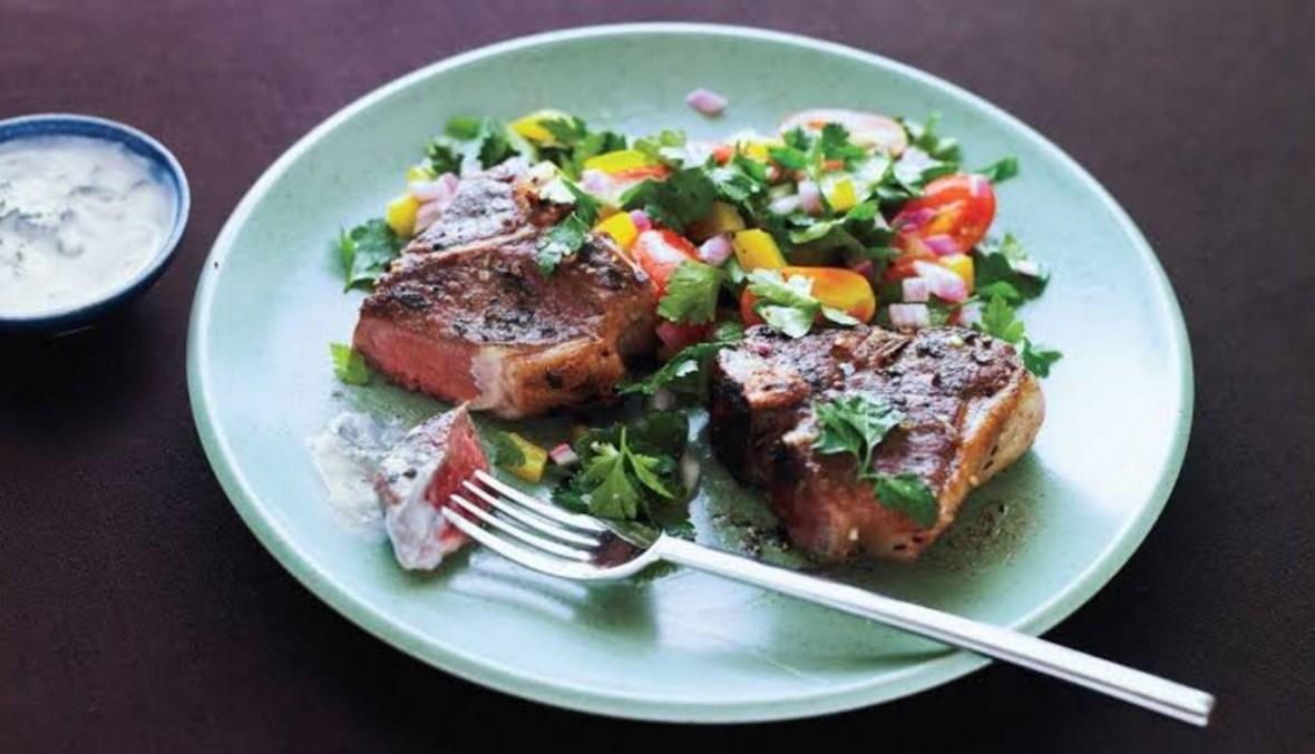 اللحم مع صلصة اللّبن والنعناع: طبق من المطبخ اليوناني!