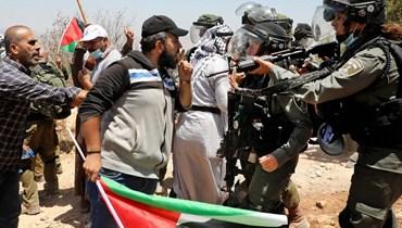 اسرائيل تمدّد توقيف محافظ القدس عدنان غيث